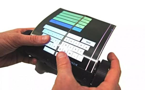 趣科技│有人推出了能卷起来的 iPad,未来的平板电脑长这样?