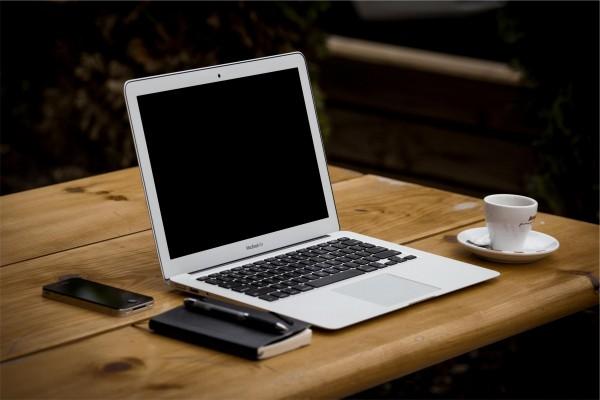 适合学生党用的笔记本电脑推荐