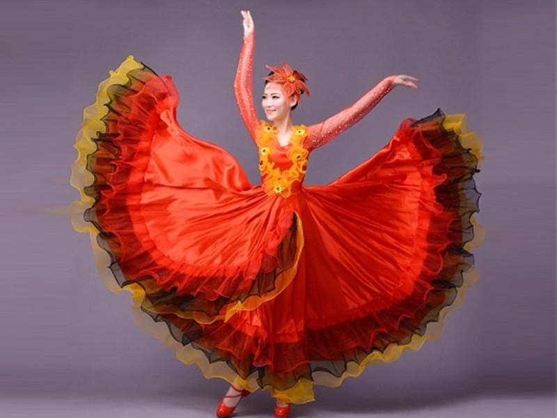 现代舞蹈大摆裙