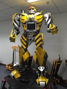 江蘇好點智能動態大黃蜂機器人,語音對話,腰部以上可動,唱歌跳舞,燈光 煙霧效果