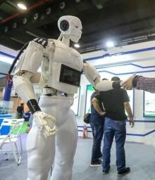 江蘇好點機器人 全智能人形機器人 頭部、嘴巴、胳膊、手指可靈活運動