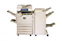 方案一,A4多功能一体机150元送2000张,超出2000的6分一张.方案二,A3双面彩色,复印,打印,扫描300元送4000张,超出4000张7分