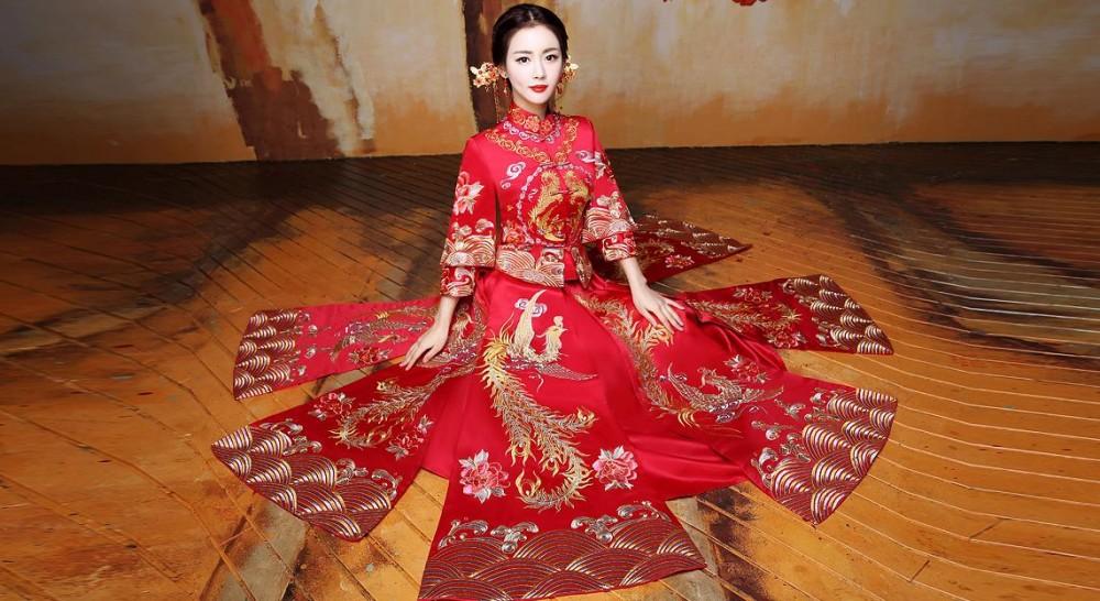 泉州新娘嫁衣订制龙凤褂秀禾服出租新娘旗袍出门嫁衣量身定做