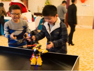 廣東博工機器人365互動機器人拳擊