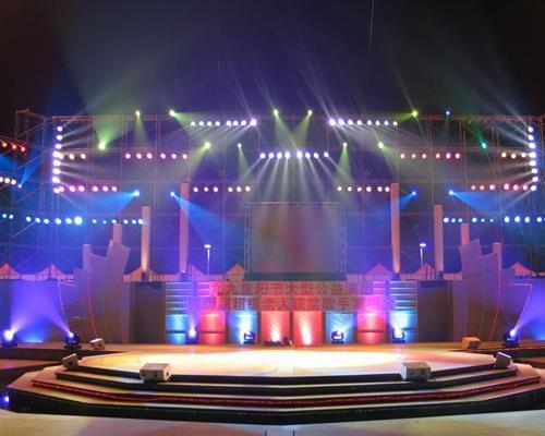 深圳高端会议手拉手麦出租,线阵音响LED高清大屏出租
