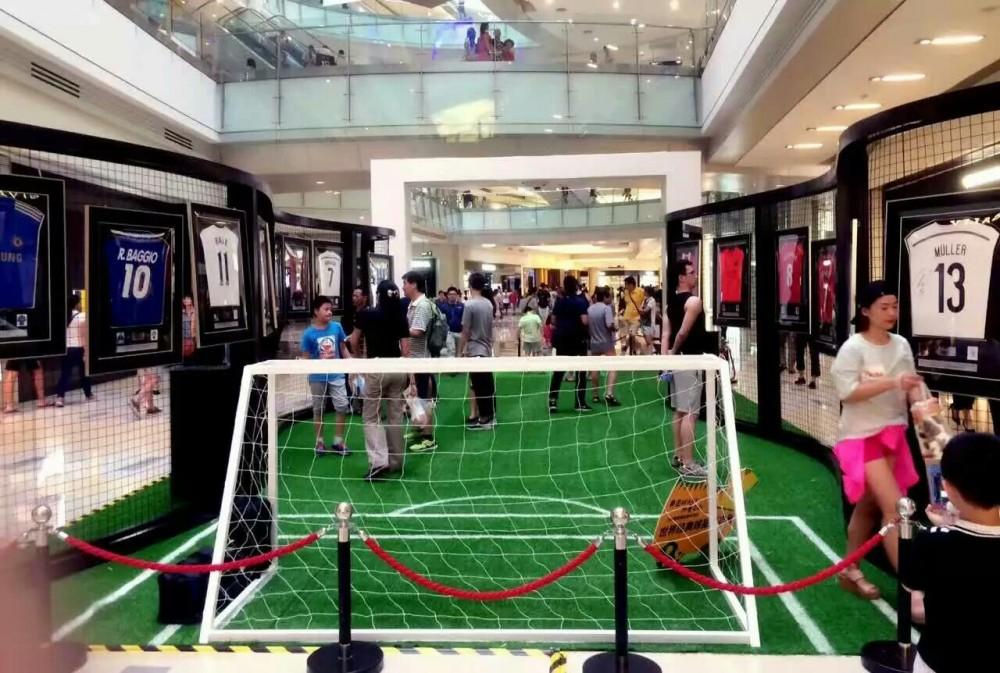 世界著名足球明星簽名球衣展
