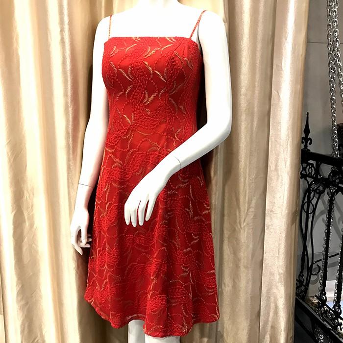 紅蕾絲禮服