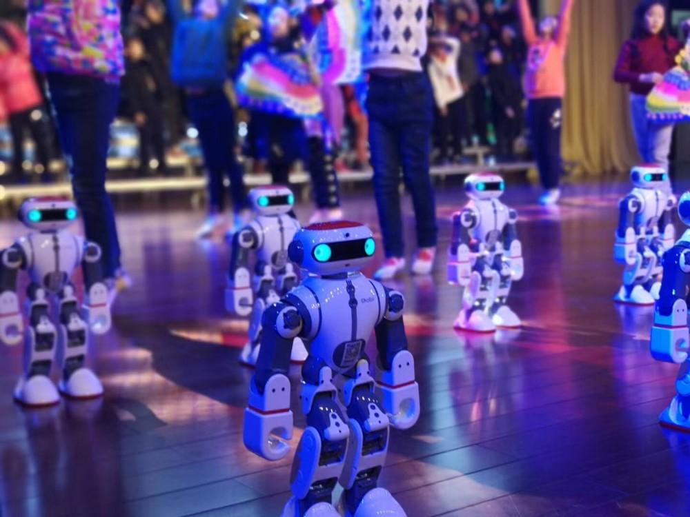 DOBI机器人舞蹈