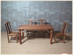 【租满即送】全实木儿童餐桌五件套   包邮