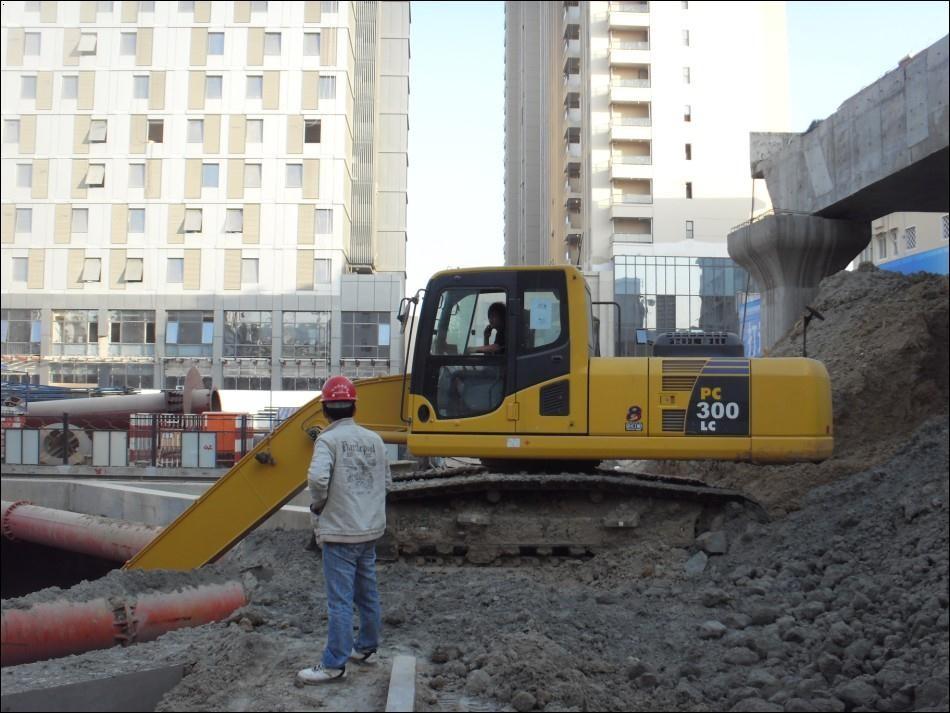 北京市小松pc300 30T挖掘機出租