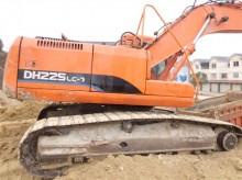 扬州市小松PC225 22.5T挖掘机出租